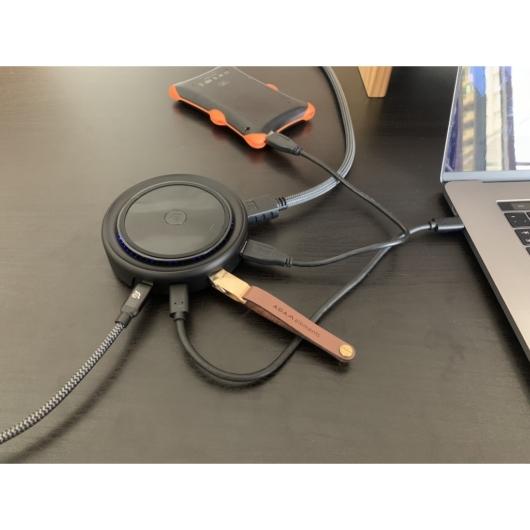 ADAM elements CASA HUB O7 7 port USB-C elosztó és wireless gyorstöltő QC/PD 10W